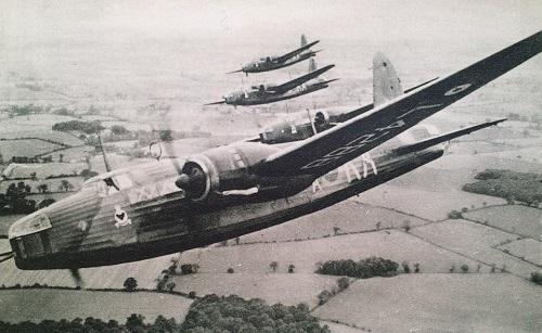 pilotes polonais à l'entrainement au Royaume Uni mai 1942