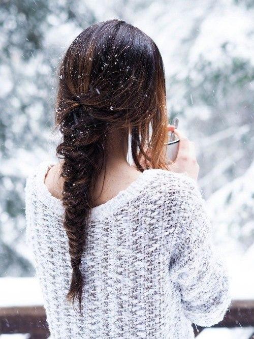Картинки девушки зимой со спины на аву - красивые и прикольные