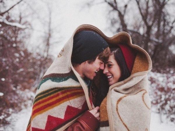 Красивые картинки влюбленной парочки в Новый год - подборка