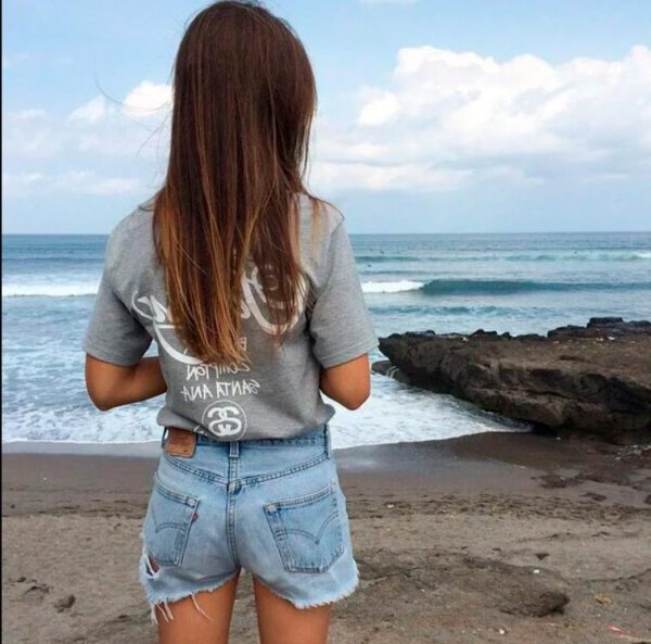 Картинки на аву для девушки со спины короткие волосы