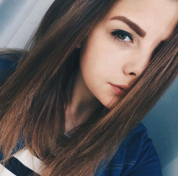 Классные фотки одной и тоже девушке на аву 16 лет