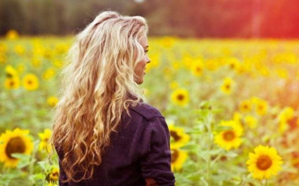 Фото на аву для девушек со спины новые осень - подборка