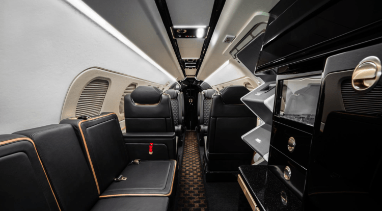 Embraer Phenom 300E interior