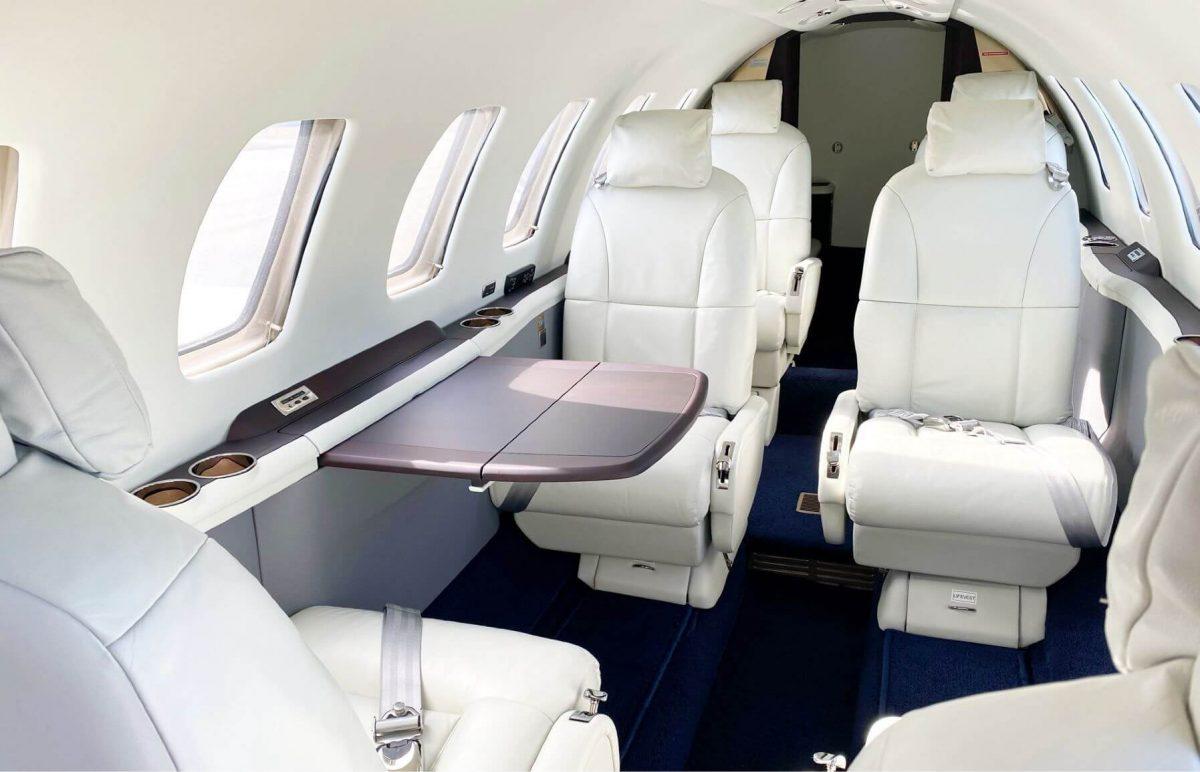 FlyExclusive interior