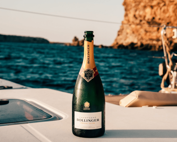 Wine That Can Be Perfect For Your Extravagant Yacht Tour This 2020