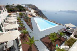 8 Luxurious Hotels in Santorini