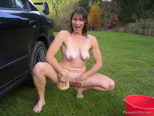 Hot Naked Mom Outside And All Wet