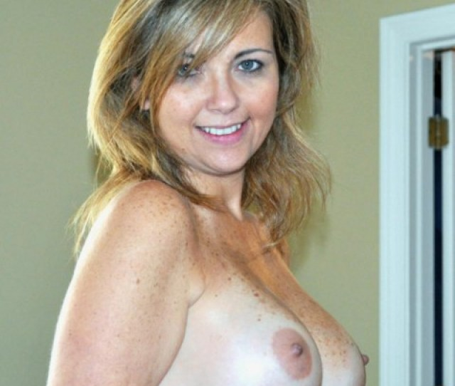 Sexy Topless Mom With Big Perky Tits