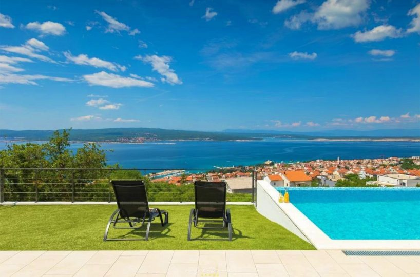 Sea view villa Crikvenica