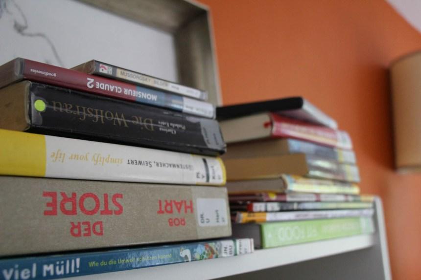 20200418 Bücherstapel