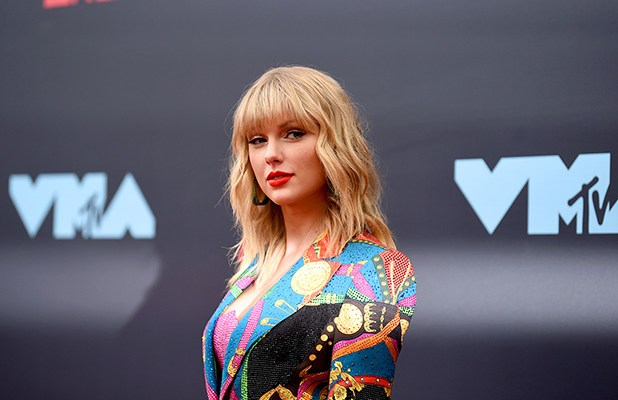 Taylor Swift to re-record her old hit songs after ownership row