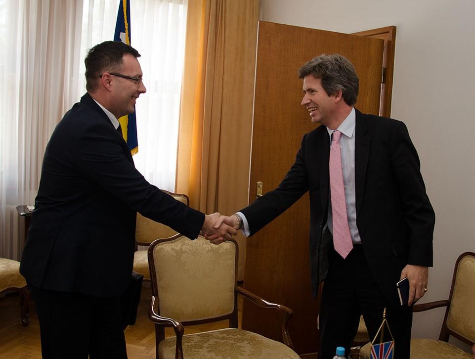 Ministar Džindić S Ambasadorom Fergusonom