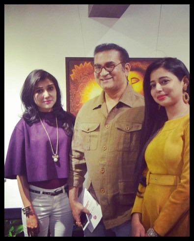 felicitatation-of-astrologer-priyanka-sawant-in-painting-exhibition-at-the-easel-art-gallery-juhu-1