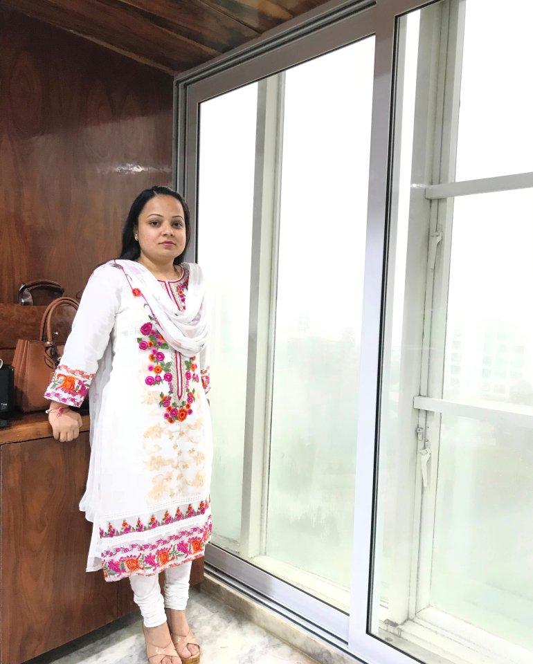 singer priyanka singh Mumbai Photo gallery priyanka singh Photo gallery mumbai priyanka singh and taj Photo gallery Mumbai