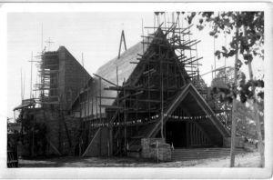 kosciol martuna0001 300x198 Kolejne zdjęcie naszego kościoła zrusztowaniami