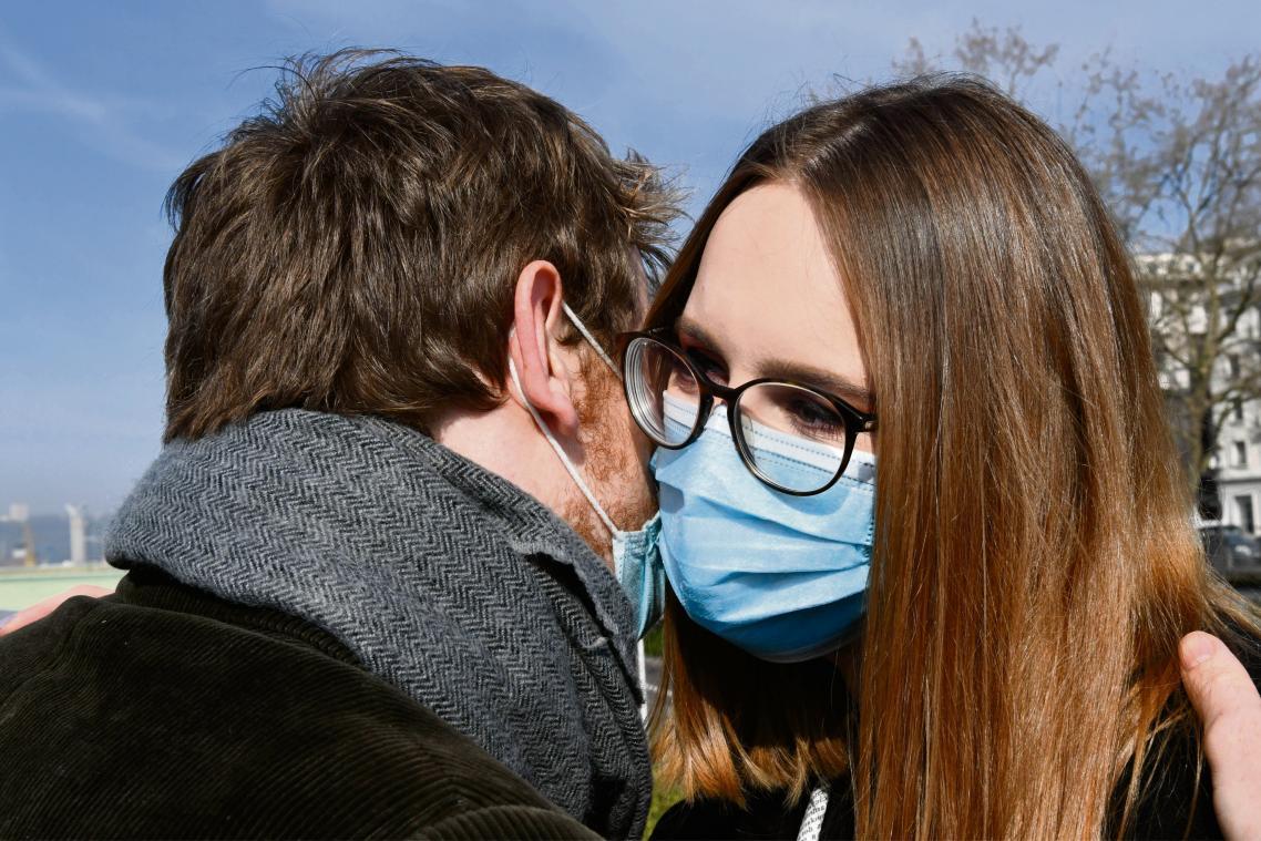 https www paris normandie fr id177629 article 2021 03 28 convention ou tradition le coronavirus est il en train davoir raison de la bise