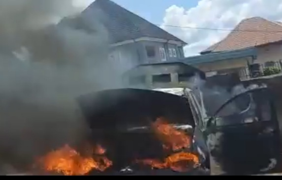 Ajali Police Station Anambra on fire after IPOB Attack