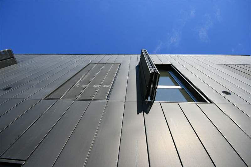 Contraventanas de aluminio termoacústicas y fotovoltaicas