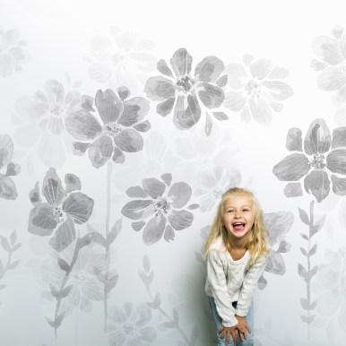 Papier peint Poésie de Fleurs gris ©Sandrine Fourrier