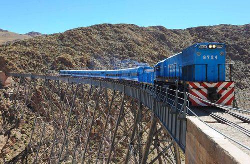 Epic train journeys of the world_tren a las nubes