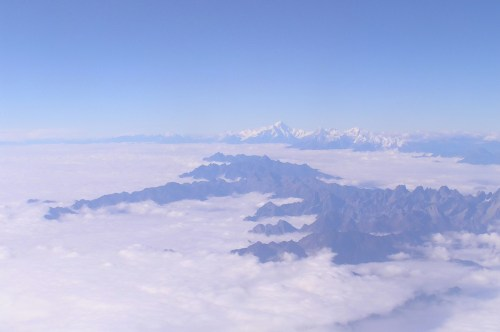 How to travel to Tibet? You can fly over the Himalaya