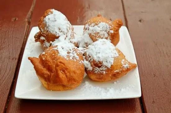Christmas traditions in Colombia eat Bunuelos