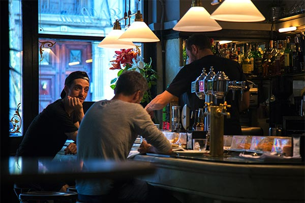 Experience Barcelona as a local and find the best Barcelona nightlife tips. Check out this fully detailed post with tips on how to enjoy the nightlife in Barcelona as a local. It is full with insider secret tips on the best budget drinking spots as well as the most epic party in Barcelona.