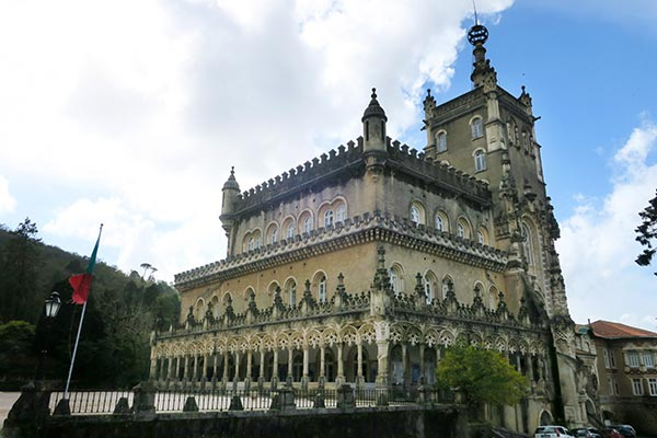 Bussaco Forest Portugal - the exterior of the Buçaco Palace hotel
