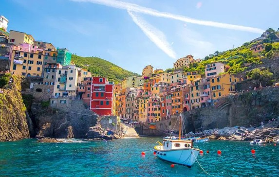 Why you SHOULD spend at least 2 days in Cinque Terre Italy