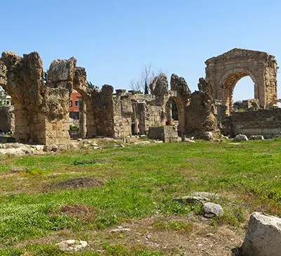 Easy Tyre and Sidon Day Trip from Beirut by Local Transport