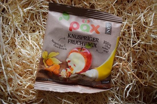 Brandnooz-Genussbox-November-2017 Päx knuspriger Fruchtmix Probenqueen