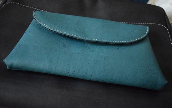 Businesstasche von Tikiwe schwarz und Clutch Josy Probenqueen