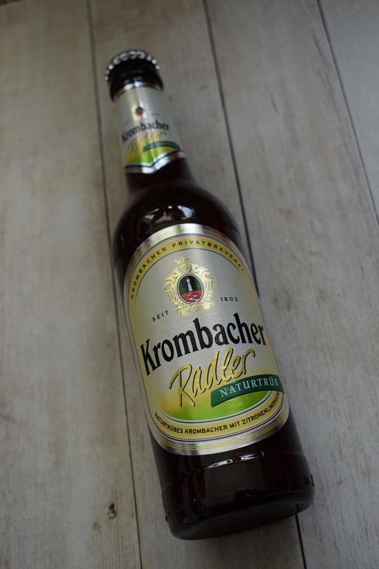 Brandnooz Box April Flasche Krombacher Radler naturtrüb Probenqueen
