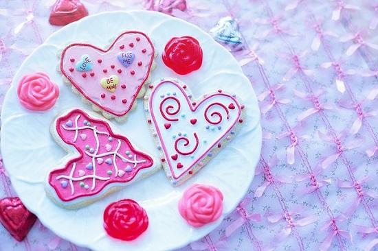Pink your kitchen Beitragsbild mit drei Kuchenherzen www.probenqueen.de