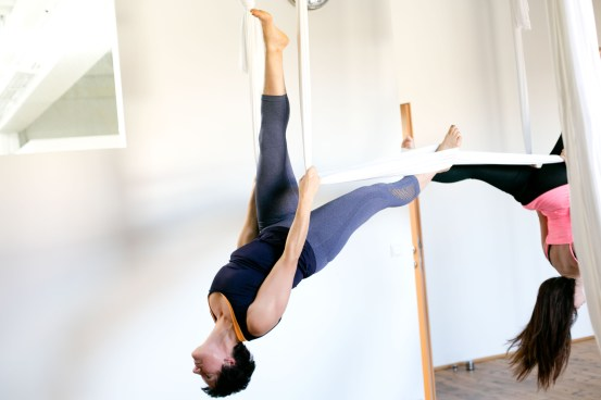 Aerial Yoga im In Move Oberalm, Salzburg, 20161109, (c)wildbild