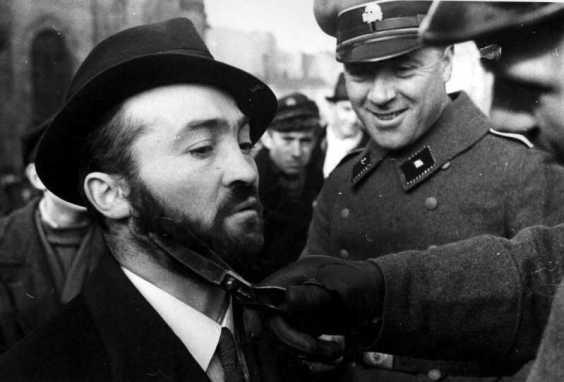 Преследование евреев