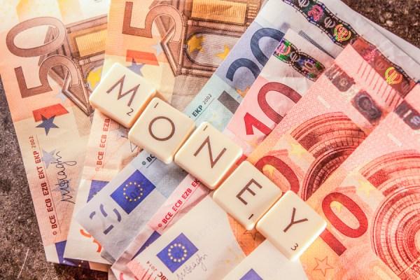 Money text on euro bills by Dani Rönneberg on 500px