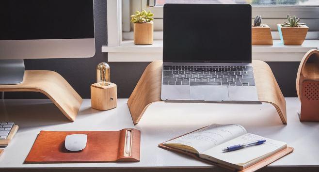 10 tips to help you land a job as a freelance blogger