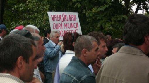 Angajatii CET Braila si-au primit astazi lichidarea pe septembrie, in urma protestelor organizate ieri