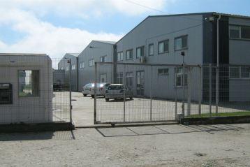 Cel puțin 10 angajați de la firma italiană care produce încălțăminte în comuna Măxineni