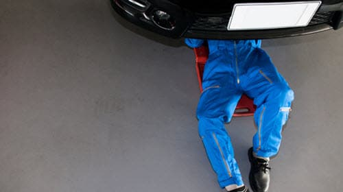 Car Servicing By An Auto Mechanic