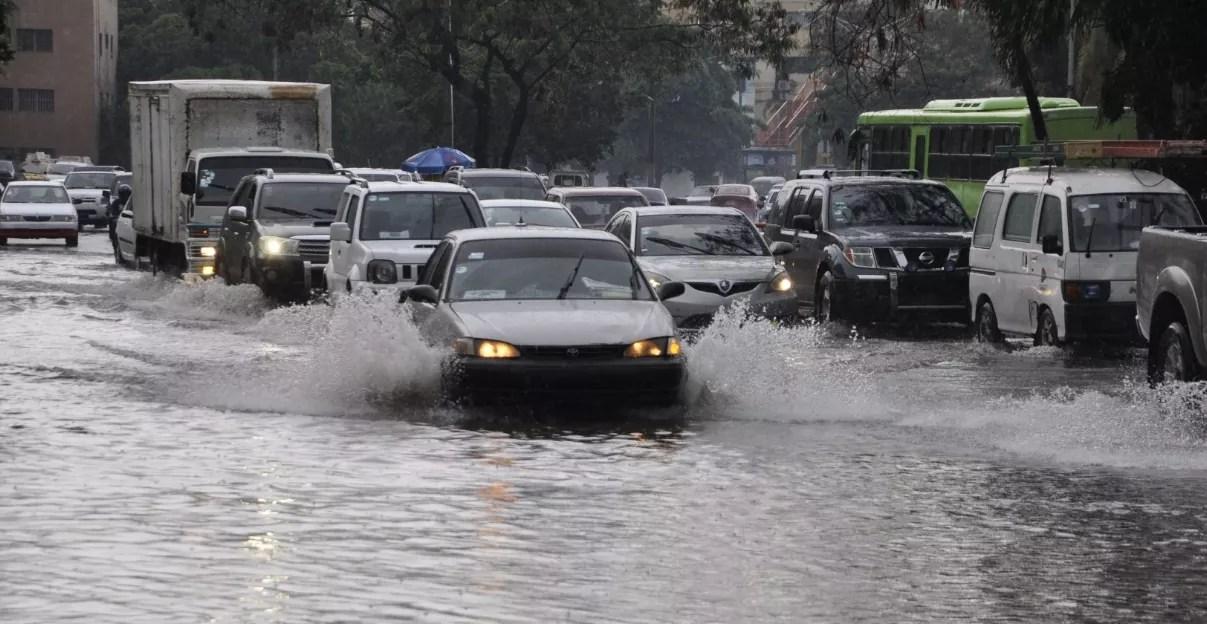 COE emite alerta verde en seis provincias por paso de vaguada