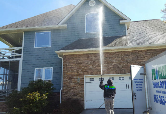 House soft wash pressure washing
