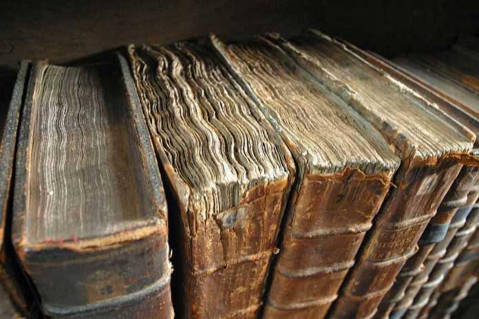 Historia universal escrita. Libros antiguos