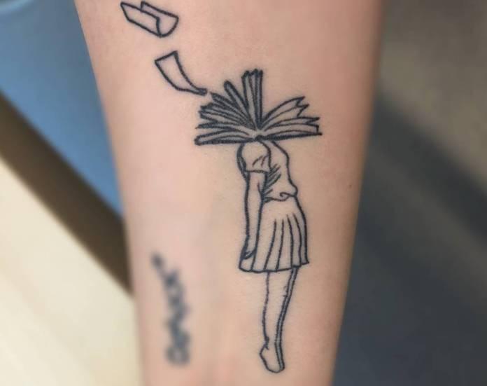 tatuaje para amantes de la lectura