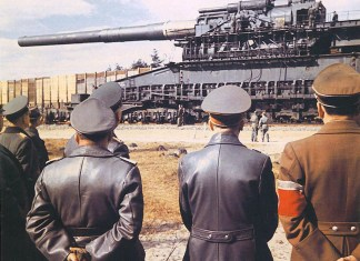 The Heavy Gustav, Hitler and generals inspecting the largest-caliber rifled weapon ever used in combat, 1941