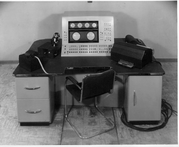 primer computador electrónico Ferranti Mark I
