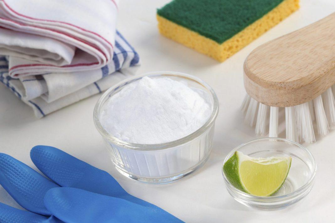 Bicarbonato, limón y esponja