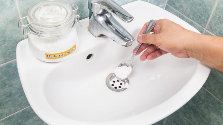 Bicarbonato en el lavamanos
