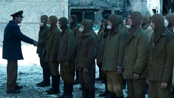 hombres en fila